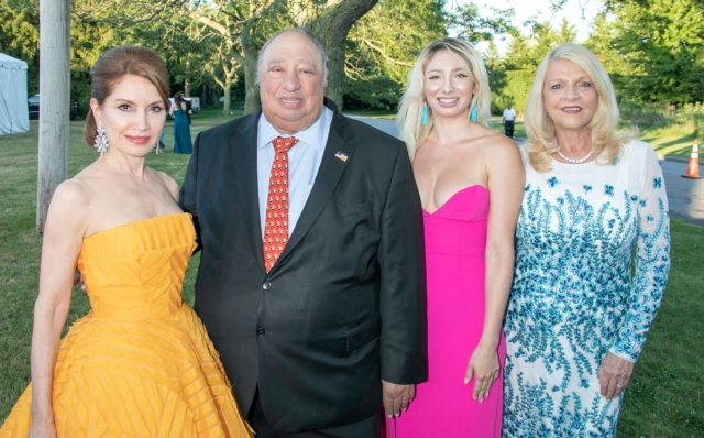 Jean Shafiroff, John Catsimatidis, Andrea Catsimatidis and Margo Catsimatidis - Photo by: Lenny Stucker